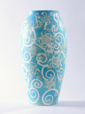 Vase en porcelaine de Limoges Obus