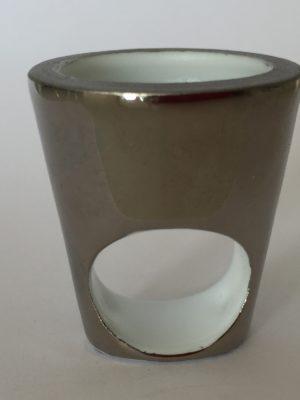 Bague Gazon Pot lisse Platine, création Philippe et Laurence RATINAUD, membres d'Esprit Porcelaine