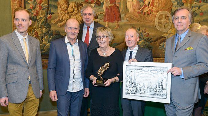 Remise De La Palme D'or Du Comité De France à Esprit Porcelaine, Créateurs à Limoges